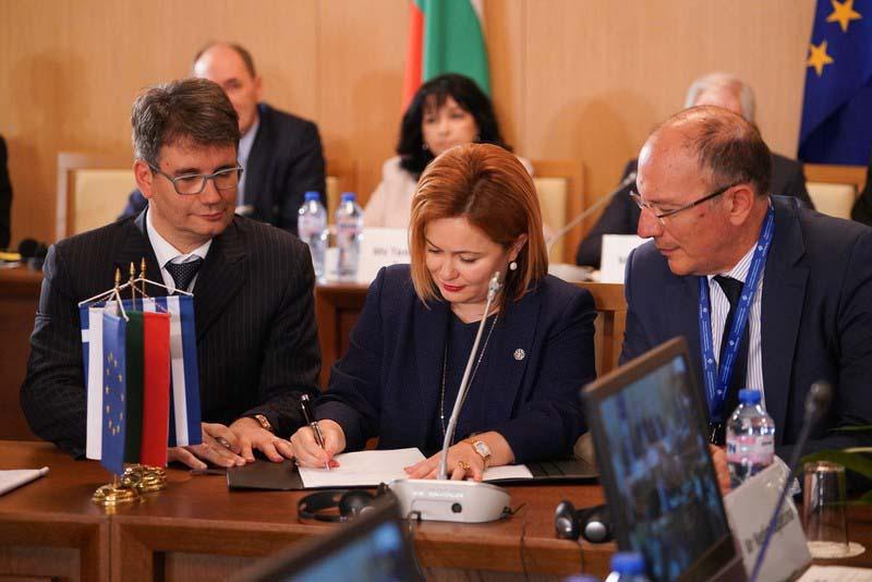 ICGB подписа споразумения за изграждането на газова връзка Гърция-България