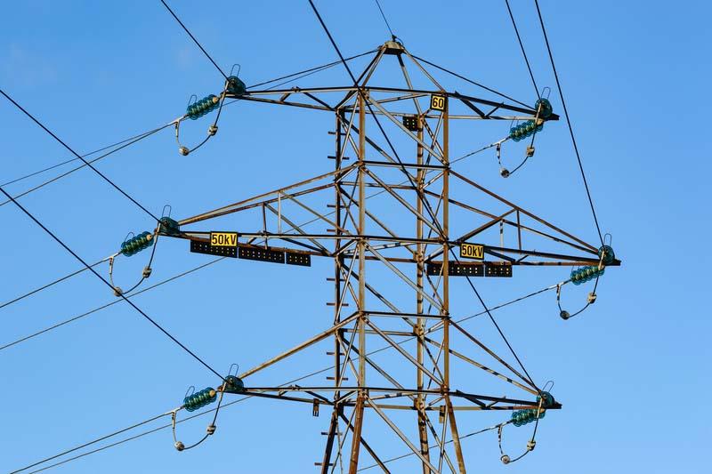 ЧЕЗ Разпределение търси фирма за СМР на преносни и разпределителни електропроводи